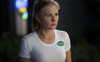 Anna Paquin_belly