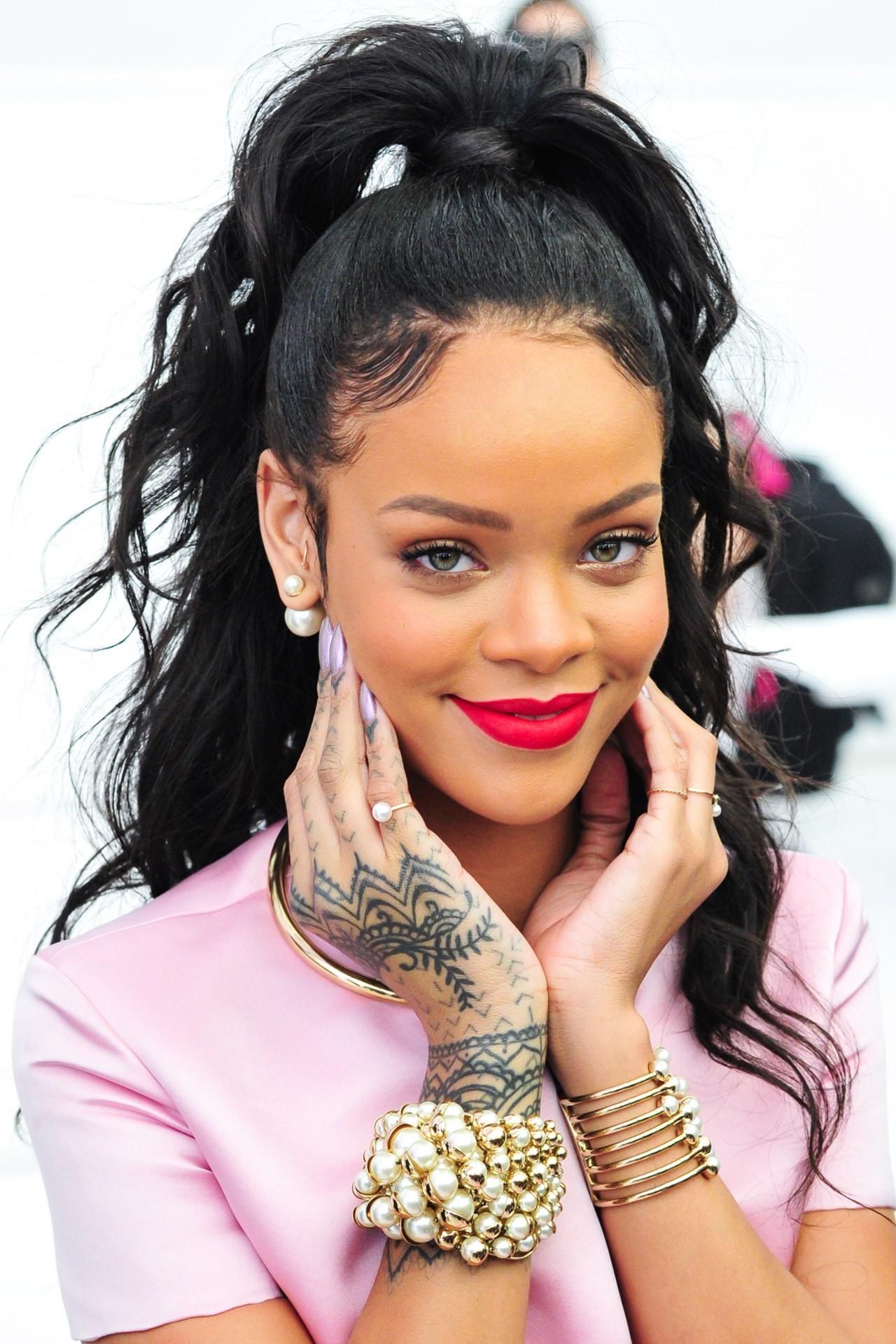 Rihanna_tumblr